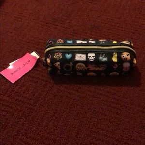 BETSEY JOHNSON pencil case